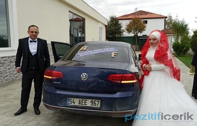 düğün de ilginç gelin arabası yazısı herkesi güldürdü
