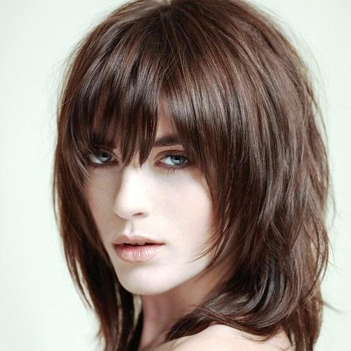 yoğun katlı seçimler  saçlarda sıcak tonlar
