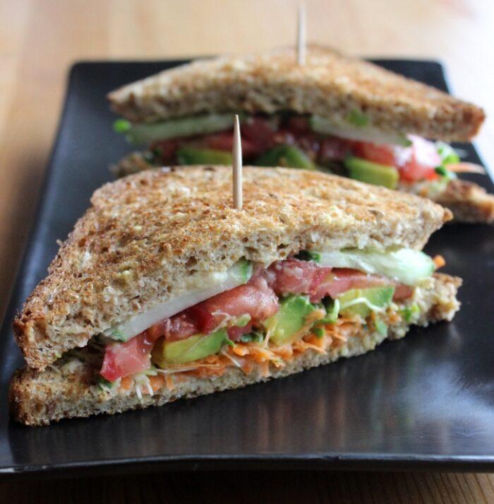 humuslu sandviç