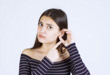 kulak memesi şişmesi neden olur? kulak arkasında neden yağ bezesi çıkar?